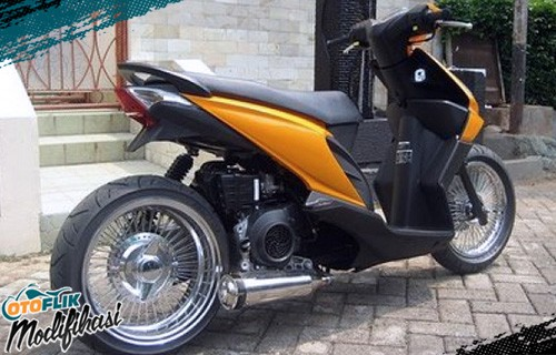 Modifikasi Motor Beat Lowrider