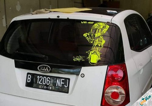 Modifikasi Stiker Kaca Mobil Belakang 08