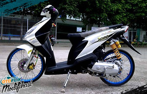 modifikasi motor beat thailook putih