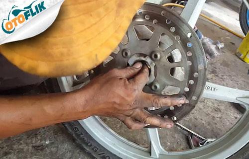 Cara Memperbaiki Laher Motor Rusak
