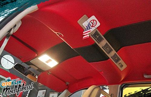 Modifikasi Plafon Mobil Merah Hitam