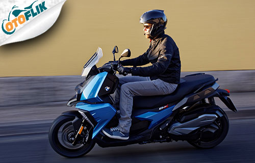Review BMW C 400 X