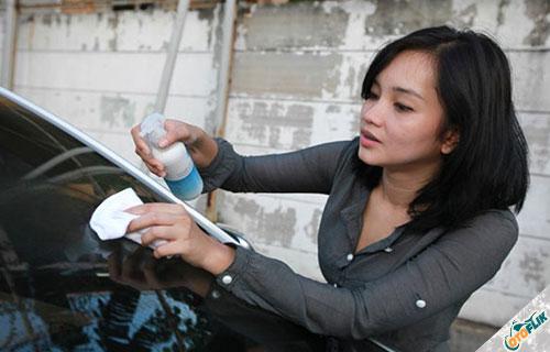 Cara Menghilangkan Goresan pada Mobil Menggunakan Cairan Amonia