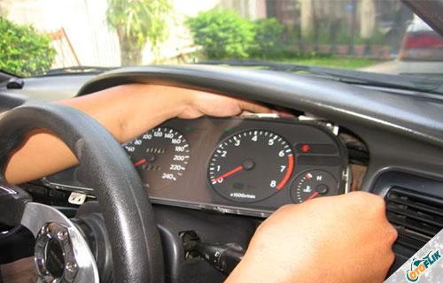 Speedometer Mobil Rusak dan Ngaco, Begini Cara Memperbaikinya