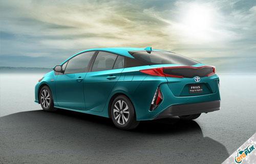 Mobil-Listrik-Toyota-Prius-Plug-In-Hybrid