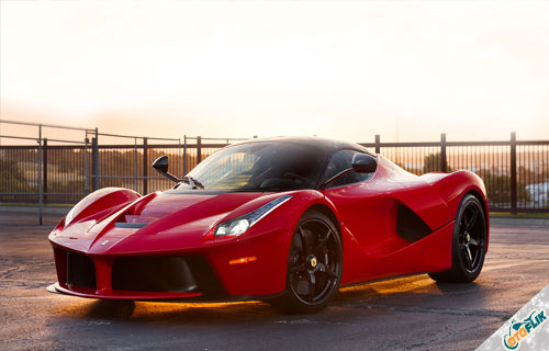 Mobil-Terkeren-di-Dunia-Ferrari-LaFerrari