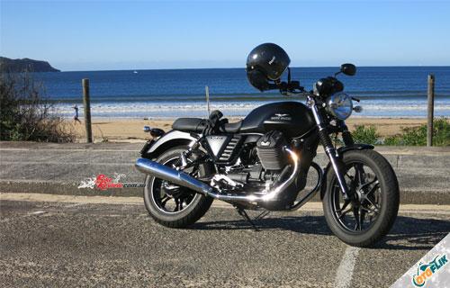 Moto GuzziV7 II Stone