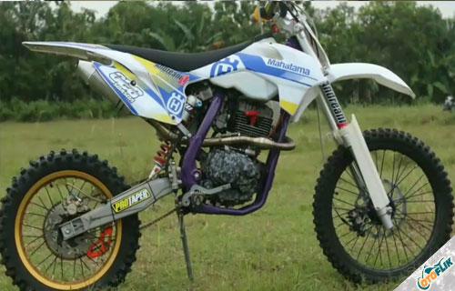 Modifikasi Motor Trail Honda Megapro 5