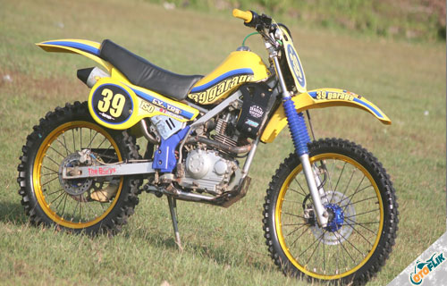 Modifikasi Motor Trail TS 125 4