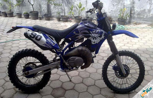 Modifikasi Motor Trail Yamaha F1ZR 8