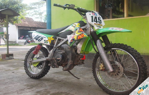 Modifikasi Motor Trail Yamaha F1ZR 7