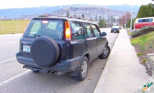 Cara Mengendarai Mobil Matic di Turunan Tajam
