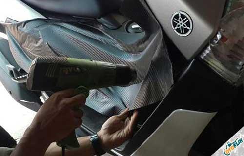 Cara Melepas Stiker di Motor