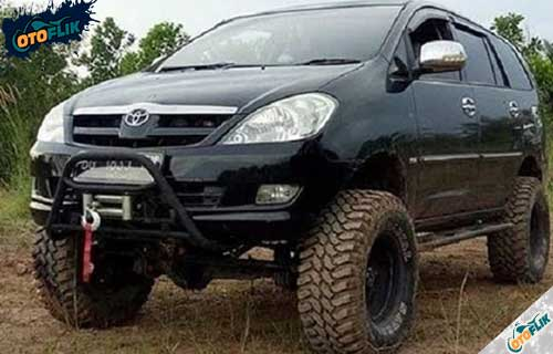 Modifikasi Toyota Innova Offroad 1