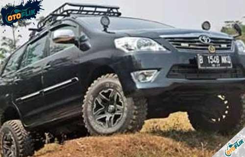 Modifikasi Toyota Innova Offroad 2