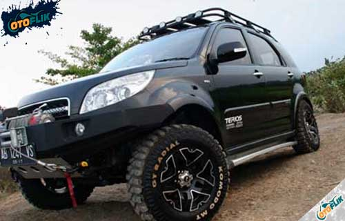 Modifikasi Toyota Innova Offroad 3