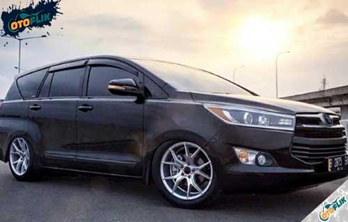 Modifikasi Toyota Innova Reborn