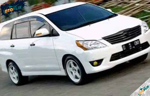 Modifikasi Toyota Innova Simple 1