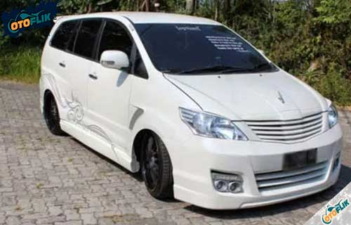 Modifikasi Toyota Innova Simple 2