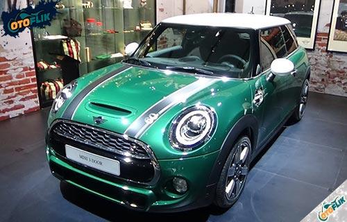 Mini Cooper 3 Door 60 Years Edition British Racing Green
