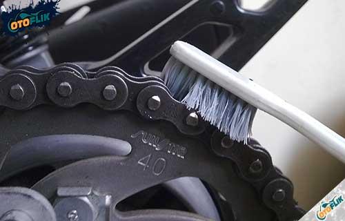 Cara Hilangkan Karat Pada Rantai Motor yang Mudah dan Cepat