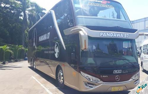 Bus Super High Decker dari PO. Pandawa 87