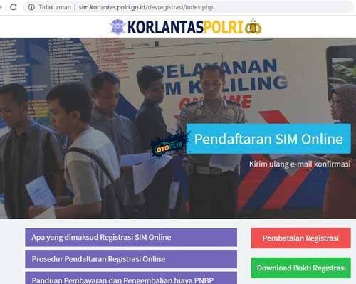 1. Silahkan kamu membuka website pendaftaran SIM C baru di sim.korlantas.polri .go .id