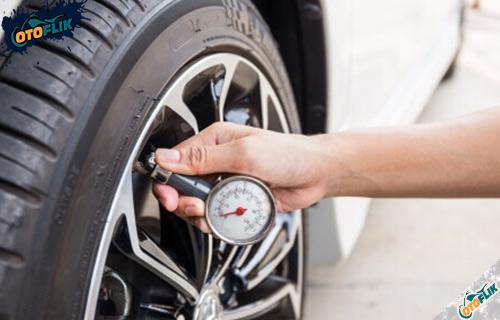 Tekanan Ban Mobil Ideal Aman Untuk Harian dan Mudik