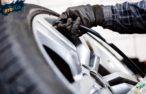 Tips Menjaga Tekanan Ban Mobil