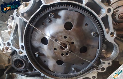 Rusaknya Flange Flywheel