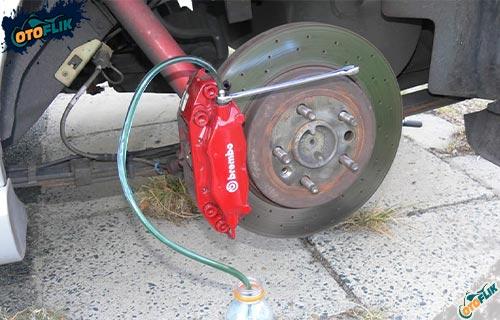 Cara Bleeding Rem Mobil Manual dan Macam Macam Bleeding Rem