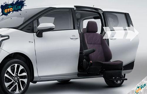 Review Toyota Sienta Welcab