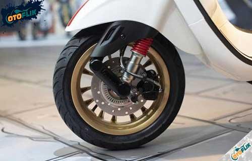 Kaki Kaki GTS 300 HPE