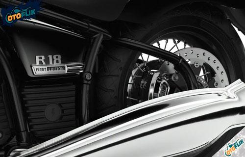 Fitur Kenyamanan dan Keamanan BMW R18