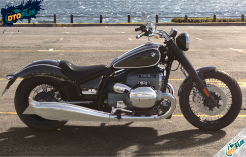 Review Motor BMW R18