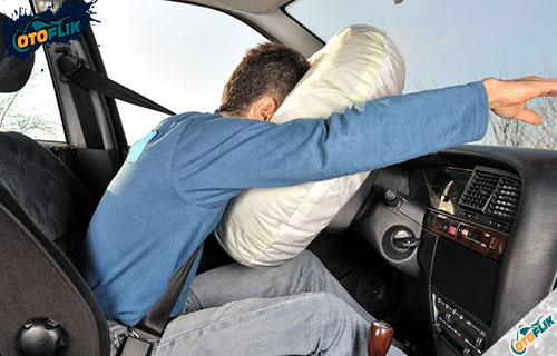 Fugnsi Airbag Pada Mobil