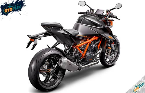 KTM Super Duke 1290 R Hitam
