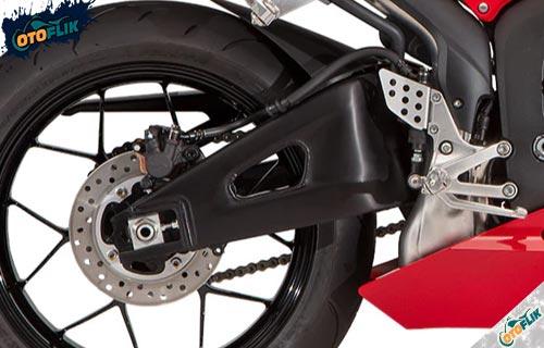 Fitur Keamanan dan Kenyamanan Honda CBR 600 RR
