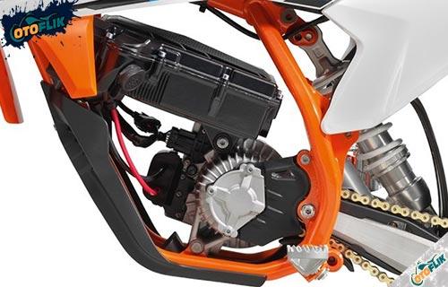 Performa Dapur Pacu KTM SX E5