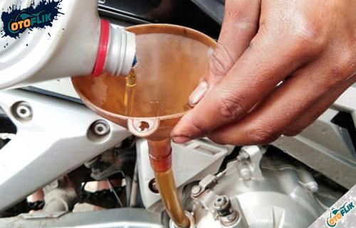Cara Mengatasi Oli Motor Cepat Habis