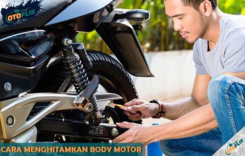 Cara Menghitamkan Body Motor Pudar dan Kusam