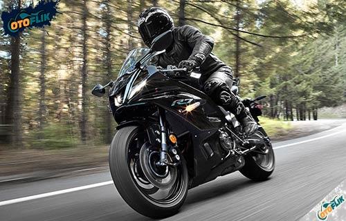 Kelebihan dan Kekurangan Yamaha R7