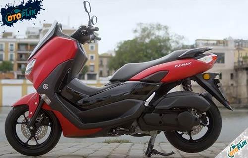Review Yamaha Nmax 125 2021