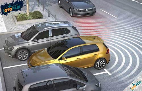 Fungsi Rear Cross Traffic Alert