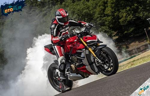 Review Ducati Streetfighter V4S