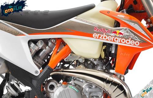 Review KTM 300 EXC TPI ErzbergRodeo