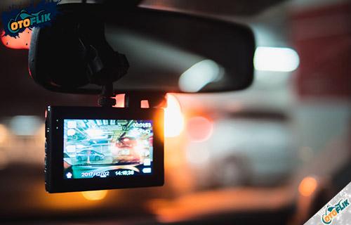 Tips Memilih Kamera Dashboard Mobil