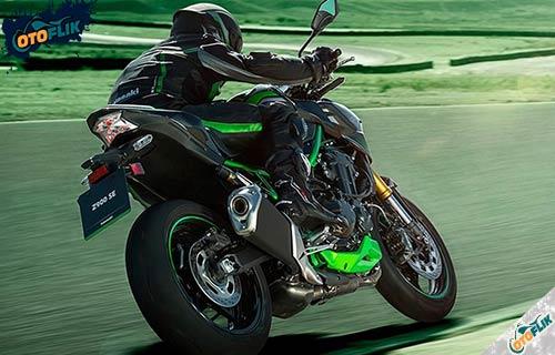 Kelebihan dan Kekurangan Kawasaki Z900 Se